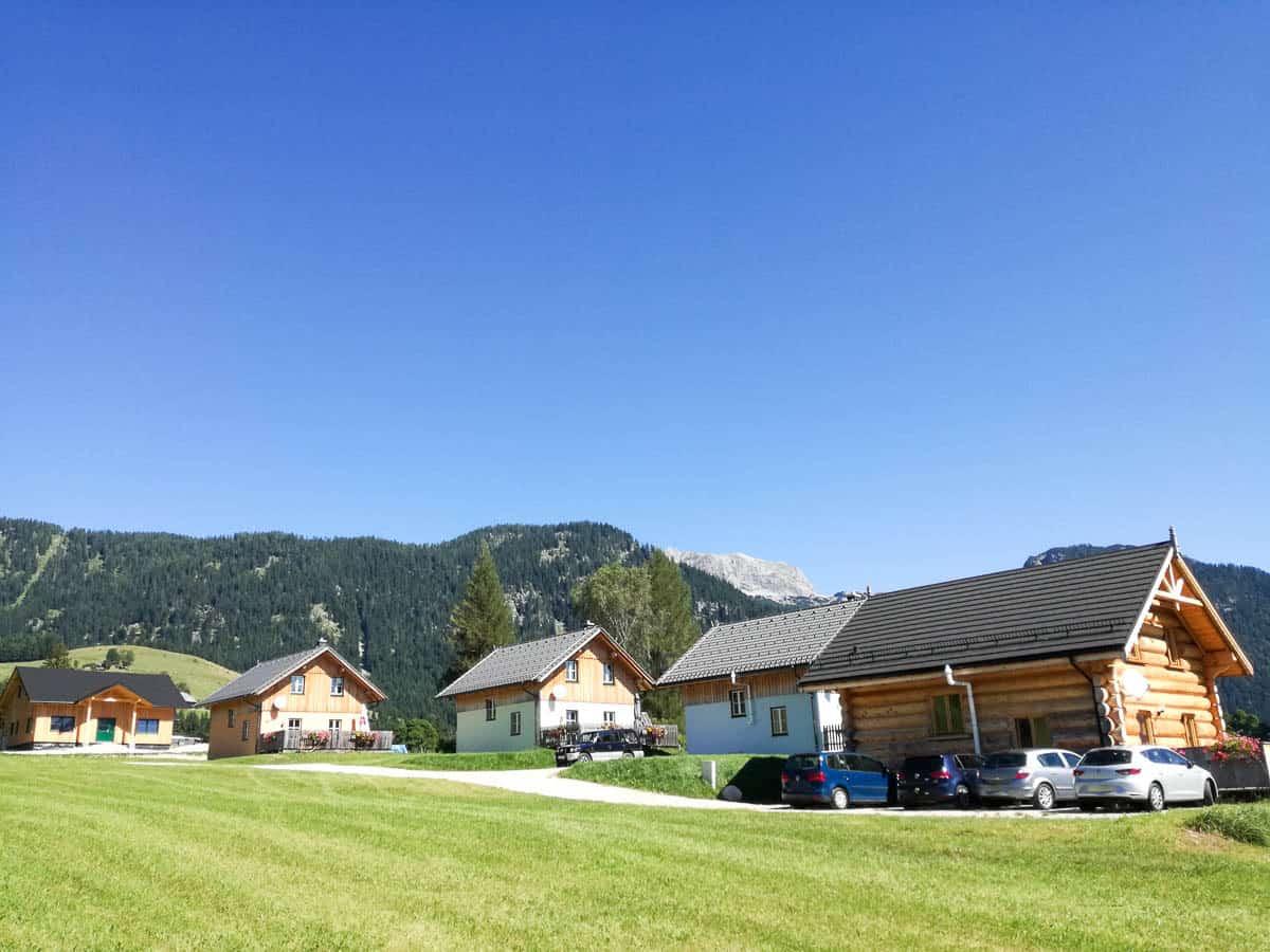 Stoffis Hütten im Sommer mit Troadkastl